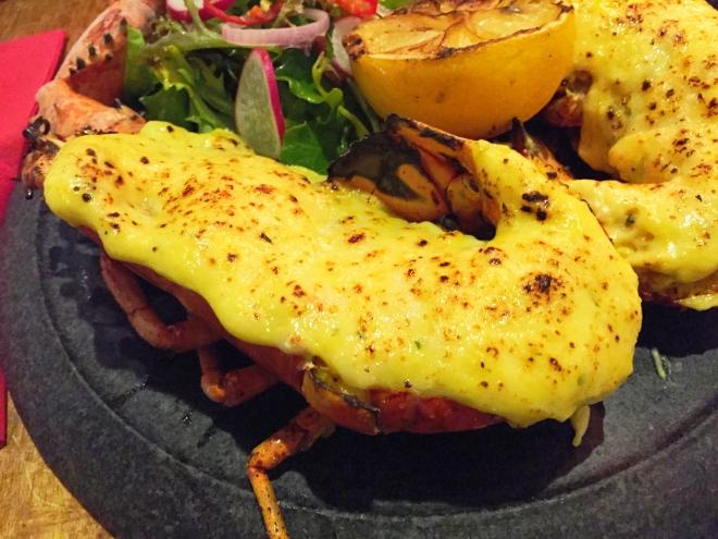 FYR Cycene ond Drinc Maine Lobster